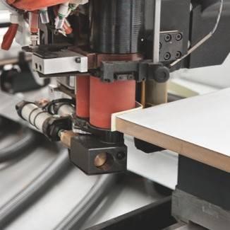 Благодаря 3-й, 4-й и 5-й осям (в зависимости от комплектации), на станке можно выполнять самую сложную обработку