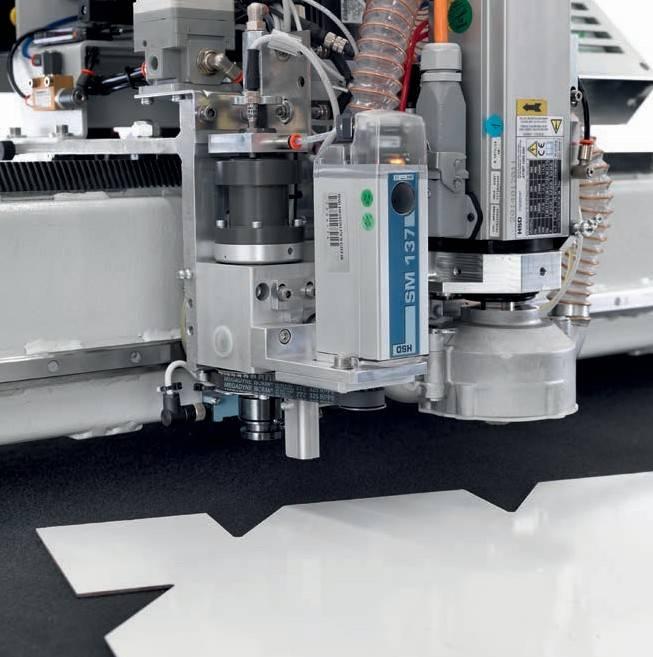 Лазерный сканер для считывания формы криволинейной поверхности